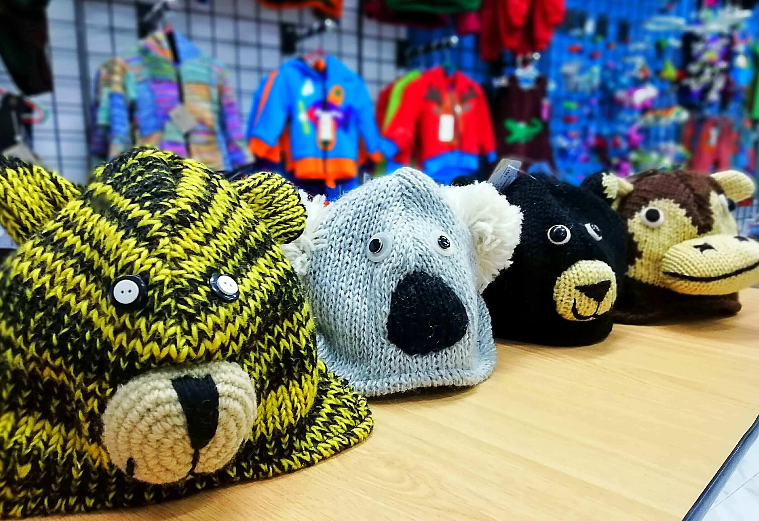Ropa étnica hecha a mano, animales divertidos en gorros de lana, gorros de invierno para niños,  children's wool hats, ropa divertida y original para niños